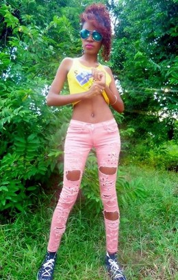 Leggy african teen girl in..