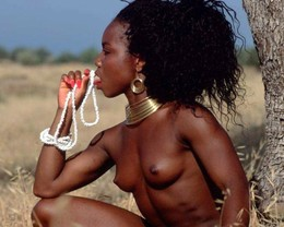 Fully naked african women with great..